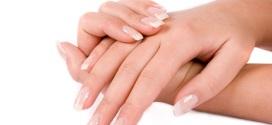 Come curare la manicure delle unghie e scegliere lo smalto adatto