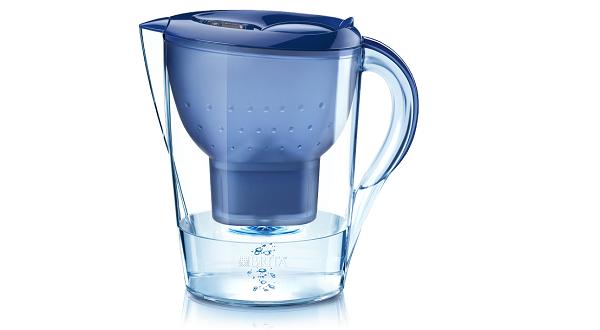 Caraffe e impianti per depurare l'acqua domestica del rubinetto