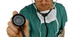 Curare le emorroidi con rimedi naturali, farmaci e interventi chirurgici