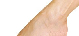 Avere cura dei piedi per prevenire gli inestetismi