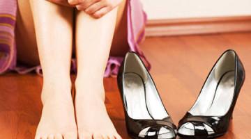 piedi scarpe vesciche