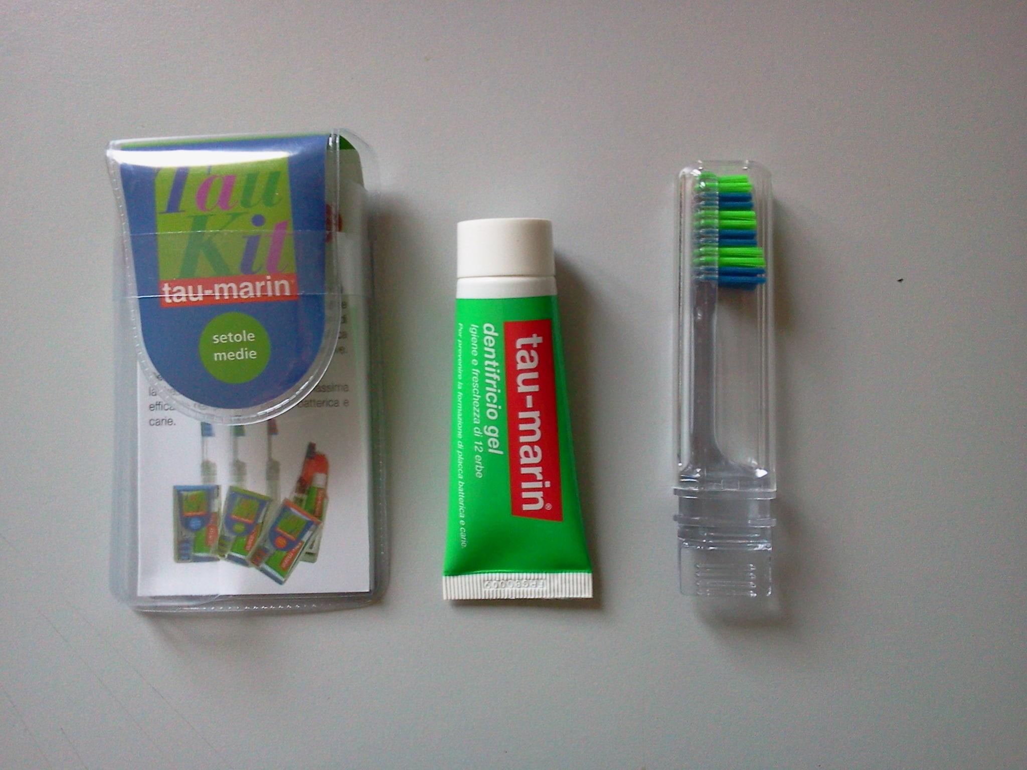 Tau kit spazzolino da viaggio e dentifricio alle erbe - Ml da portare in aereo ...