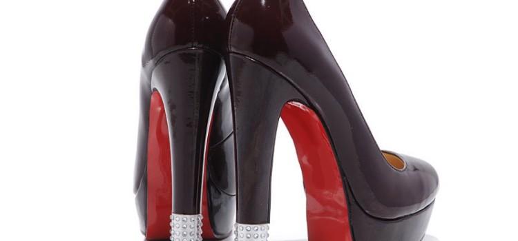 scarpe nere con tacco alto
