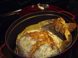 pane integrale 300x225 Fibre alimentari, come aiutare la regolarità intestinale?