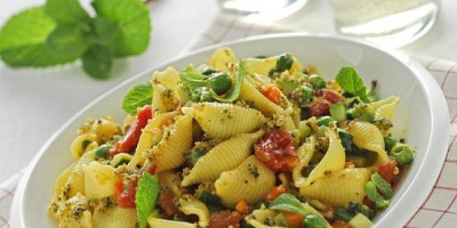 Barbara D'Urso presenta la dieta Sorrentino a Pomeriggio 5