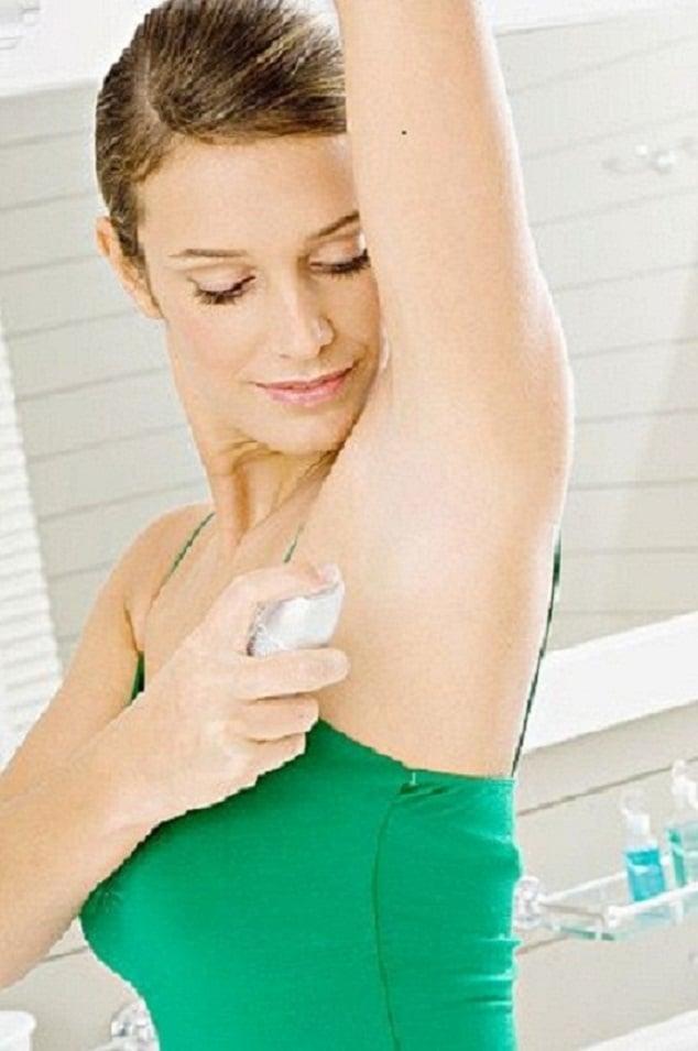 Iperidrosi cause e rimedi quando si suda troppo - Bagno caldo in gravidanza ...