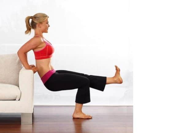 Home fitness esercizi sul divano - Scopare sul divano ...