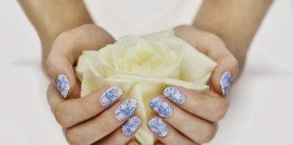 flower manicure floreale