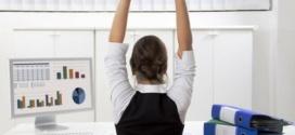 La ginnastica da scrivania: addominali e circolazione