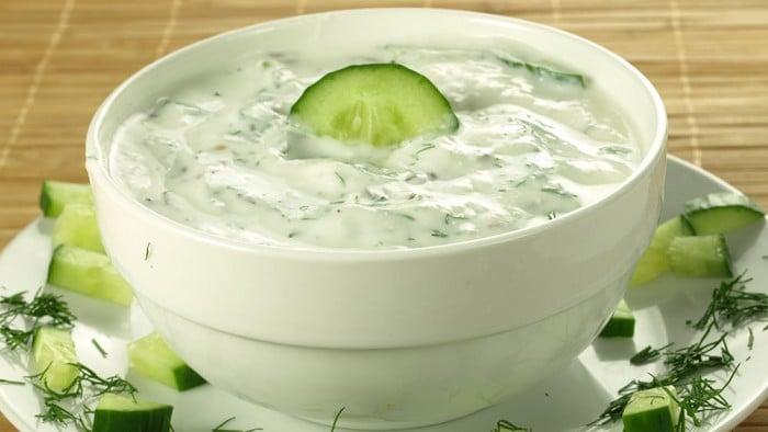 Ricetta Yogurt Greco Con Cetrioli.Ricetta Salsa Tzatziki Con Yogurt E Cetrioli