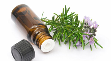 olio essenziale rosmarino