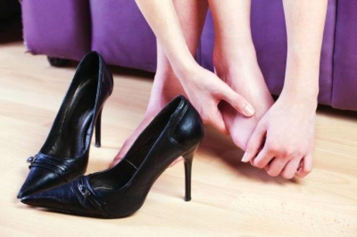 allargare scarpe strette