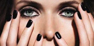 smalto nero unghie