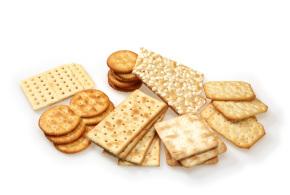 Crackers e grissini, gli snack che ingannano