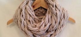 Arm knitting per lavorare a maglia senza ferri