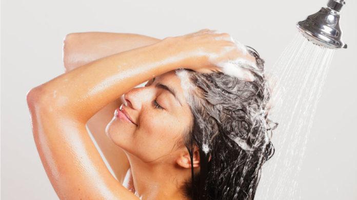 shampoo lavare i capelli