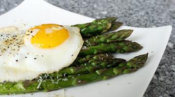 ricetta asparagi alla bismarck