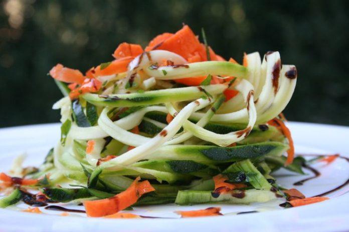 spaghetti di zucchine verdure