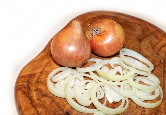 tagliere cipolle