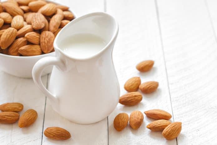 latte mandorle