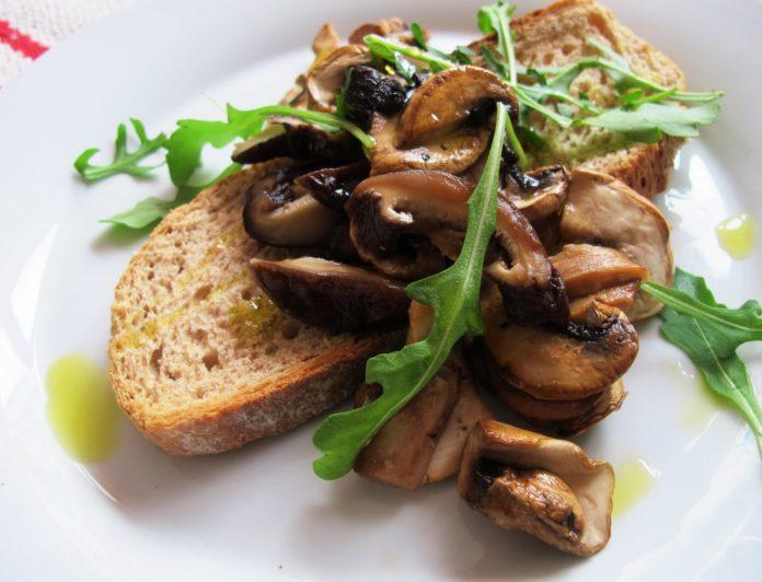 bruschetta-funghi-finferli