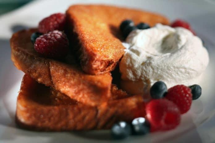 pain-perdu-frutti-rossi-pane-dolce