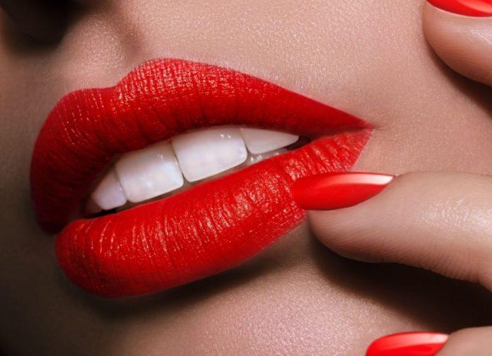 rossetto-rosso-a-chi-sta-bene