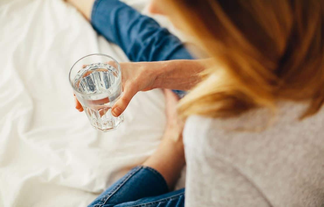 acqua calda a stomaco vuoto per perdere peso