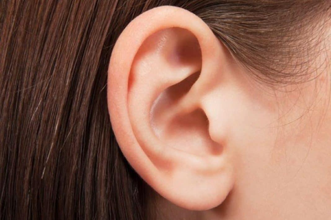 foruncoli orecchie