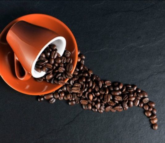 mal di testa caffeina