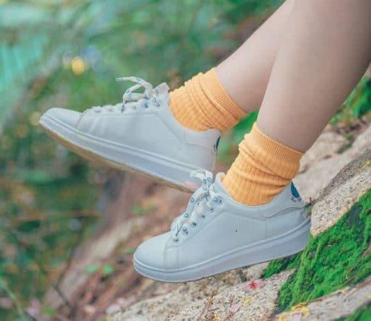 lavare sneakers bianche