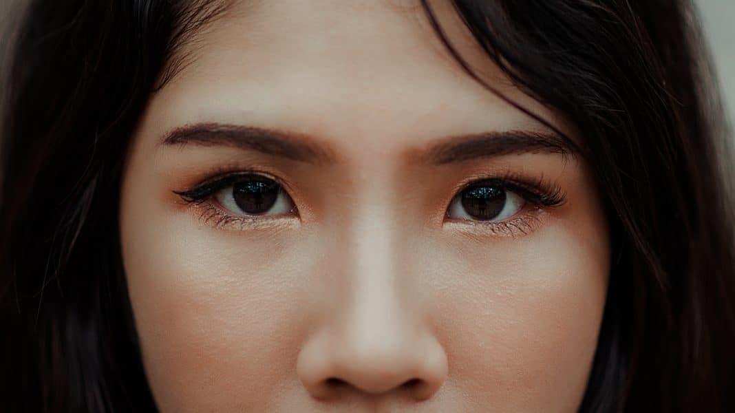 cibi-che-proteggono-gli-occhi