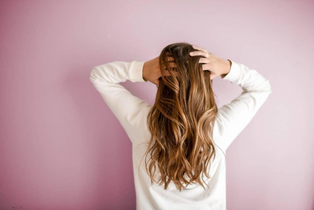 come-avere-capelli-puliti-a-lungo