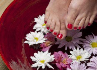 migliori-oli-essenziali-per-la-cura-dei-piedi