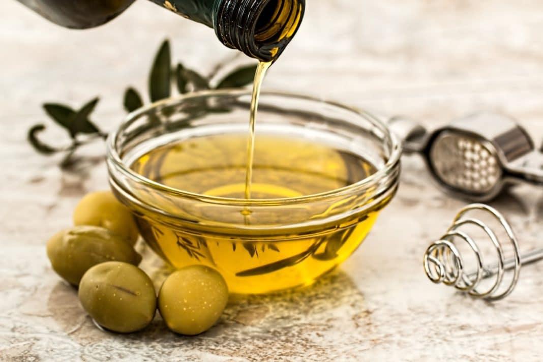 olio-di-oliva-usi-cosmetici