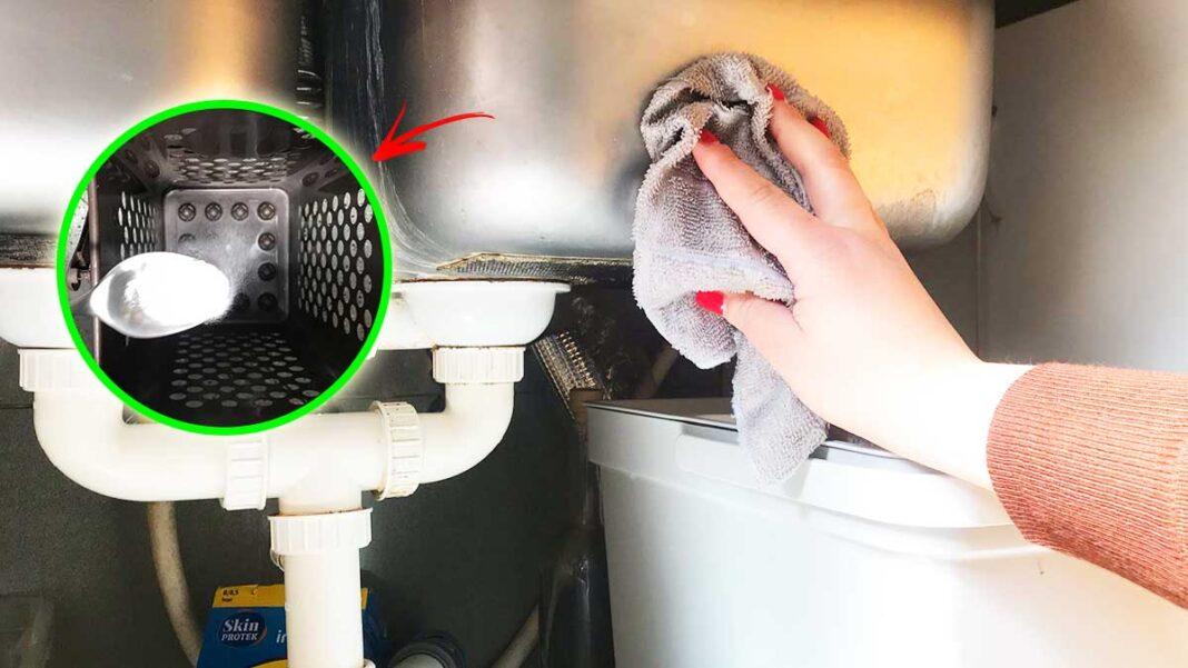 come-pulire-sotto-lavello