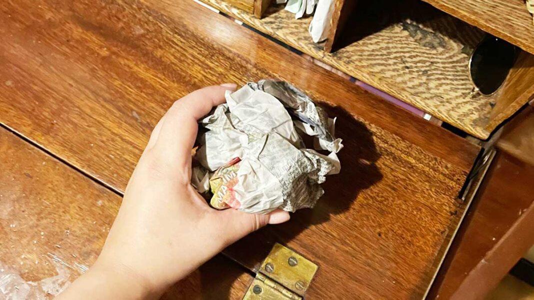 foglio-giornale-mobili-legno