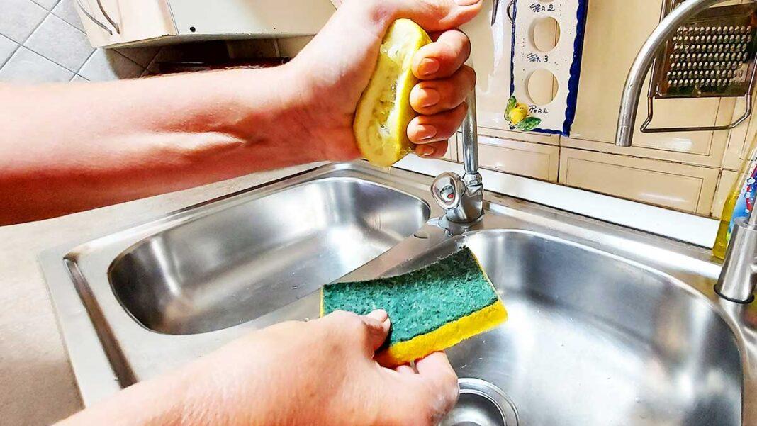 come-pulire-spugnette-cucina